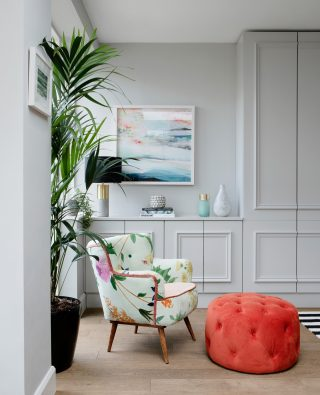 Pretty picture Sunday!   Adore this little corner of our Monkstown project. This combo of the @anthropologieeu chair, the @madedotcom pouffe and the black and white @floor_story rug just peeking into shot is one of my favourites.   Hope you've all got a nice Sunday planned whatever you're doing. We're getting excited for the end of lockdown. 🍾 Roll on December! 🎄  Pic by @ruthmariaphotos.   #designintheeveryday #ahappyhome #adesignledworld
