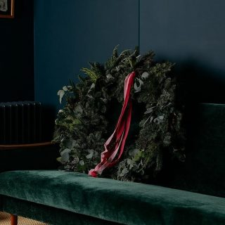 For our retailer focus this week, I thought I would look at some of my favourite Irish florists doing wreaths this year. For those of you that haven't managed to get your front door organised yet (me ✋). ⁠ ⁠ There is the most lovely selection of original and just downright beautiful wreaths in these images! I might have to get one of each (you can have a wreath for each door in the house right?! 😛)⁠ ⁠ And the last image is one of the prints that @appassionatalovesflowers have released from their beautiful book which is high up on my Christmas wish list. All the accounts are tagged. ❤️⁠ If I've forgotten anyone, please tag them in the comments. ⁠ #designintheeveryday #ahappyhome #adesignledworld #christmaswreaths